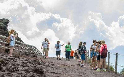 The path to Vesuvius
